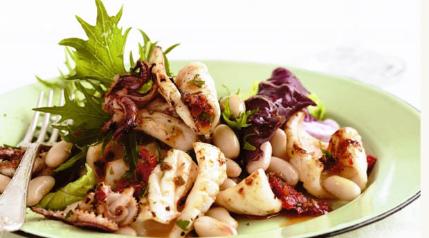 рецепты салатов с мидиями и кальмарами