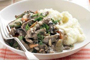 рецепт говядина с грибами в сметанном соусе