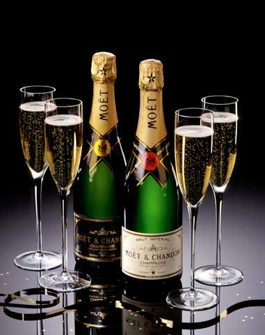 http://www.gurmania.ru/img/articles/drinks/champagne.jpg