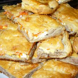 Пирог слоеный с мясом