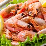 16 рецептов салатов и закусок с креветками